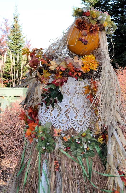 Hula Hanna Scarecrow