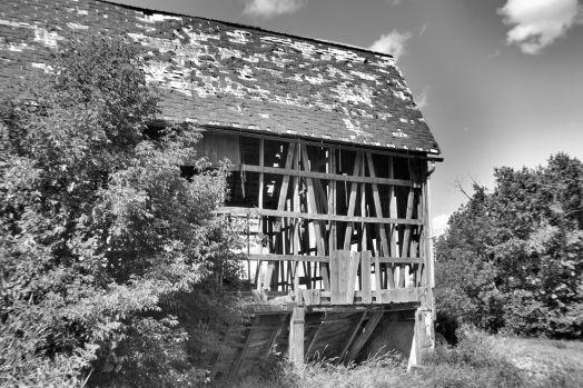 Abandoned Barn Photo - Clarence Holm 7/29/2015