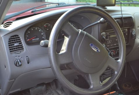 2004 Ford Ranger Dash & Airbag Photo - Clarence Holm
